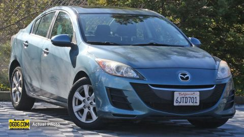 2010 Mazda3 i Touring FWD 4dr Car